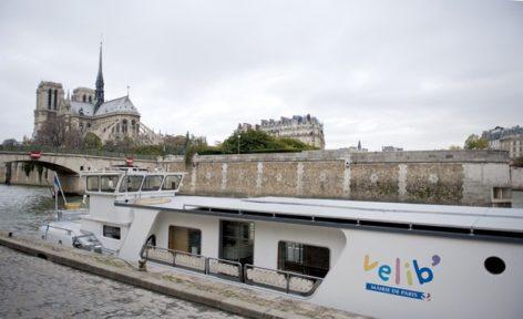 Paris_Vélib_Île de la Cité_Notre Dame_©Hilke Maunder