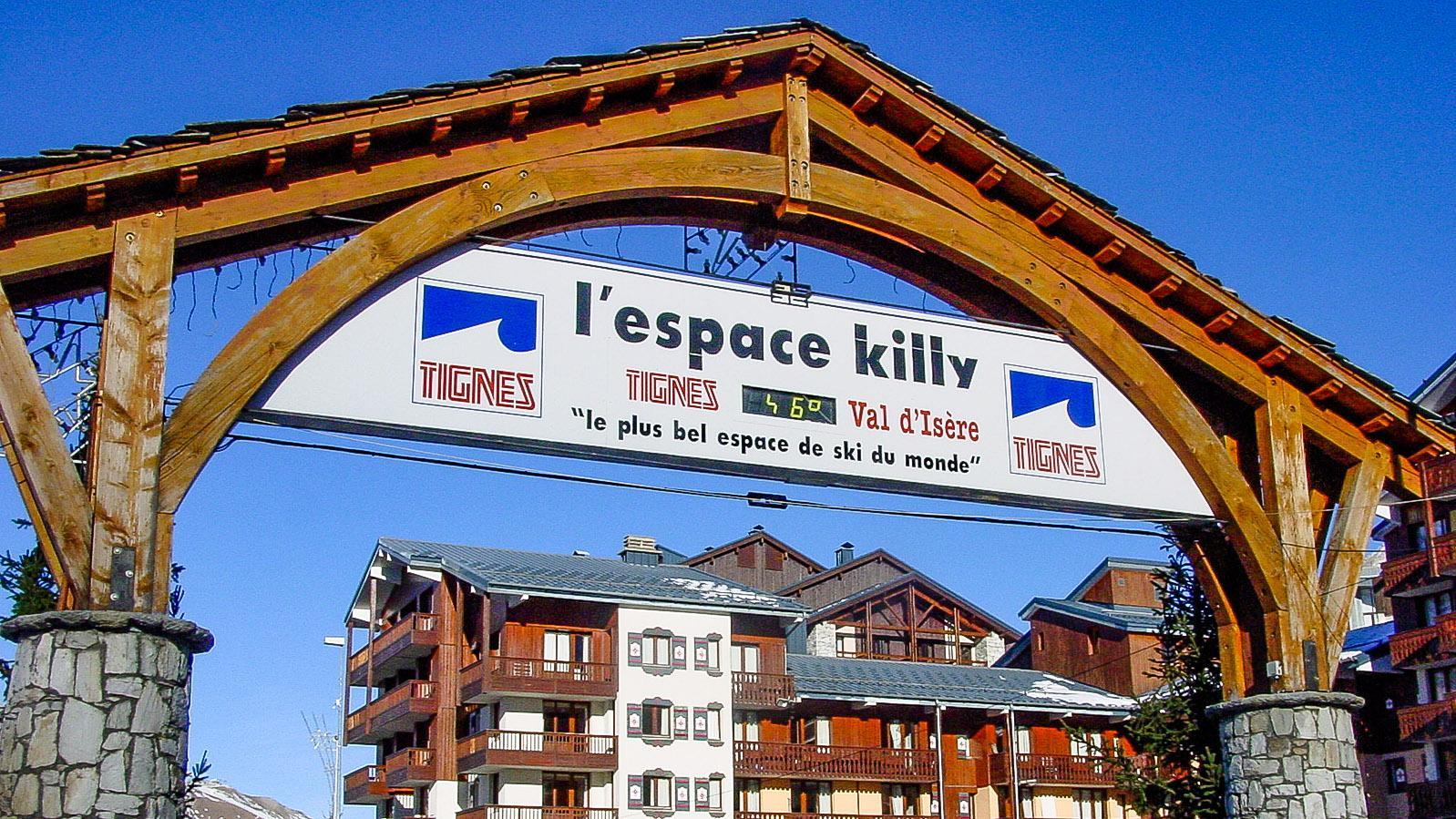 Tignes-Val Claret: Tignes-Val Claret: Hier starten die Bergbahnen zum Gletscherskigebiet La Grande Motte. Foto: Hilke Maunder