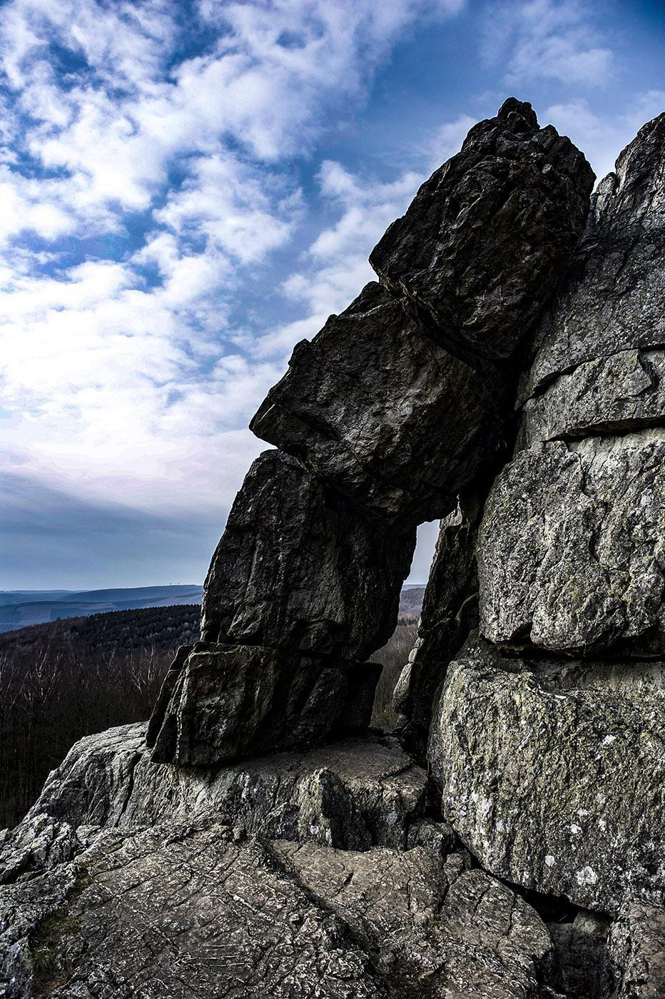 Maas: Bei Montherme haben sich Granitblöcke zu einem grandiose Felschaos aufgestapelt. Foto: Hilke Maunder