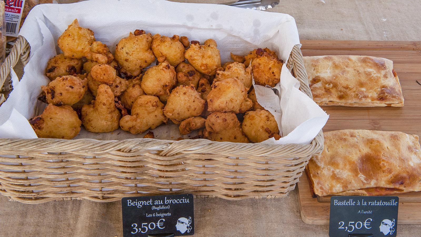 Aus Brocciu-Käse werden leckere Krapfen zubereitet. Foto: Hilke Maunder
