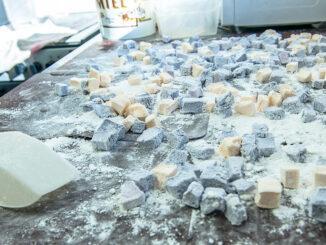 Leckeres Nachwerk von Axou - Marshmallows à la corse. Foto: Hilke Maunder
