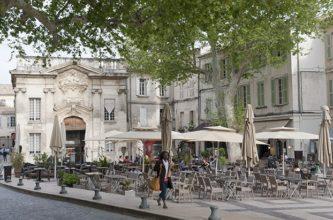 provence_avignon_place-crillon_©Hilke Maunder
