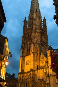 Normandie_Harfleur_Kirche_Fachwerk_abends_2_©Hilke Maunder