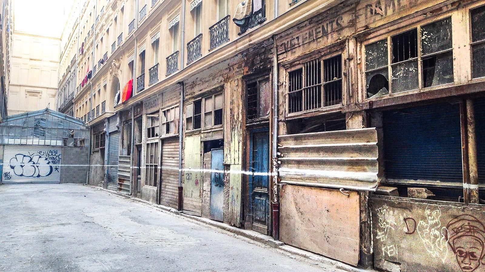 Marseille: Verlassen - eine Kleiderfabrik in Le Panier. Foto: Hilke Maunder