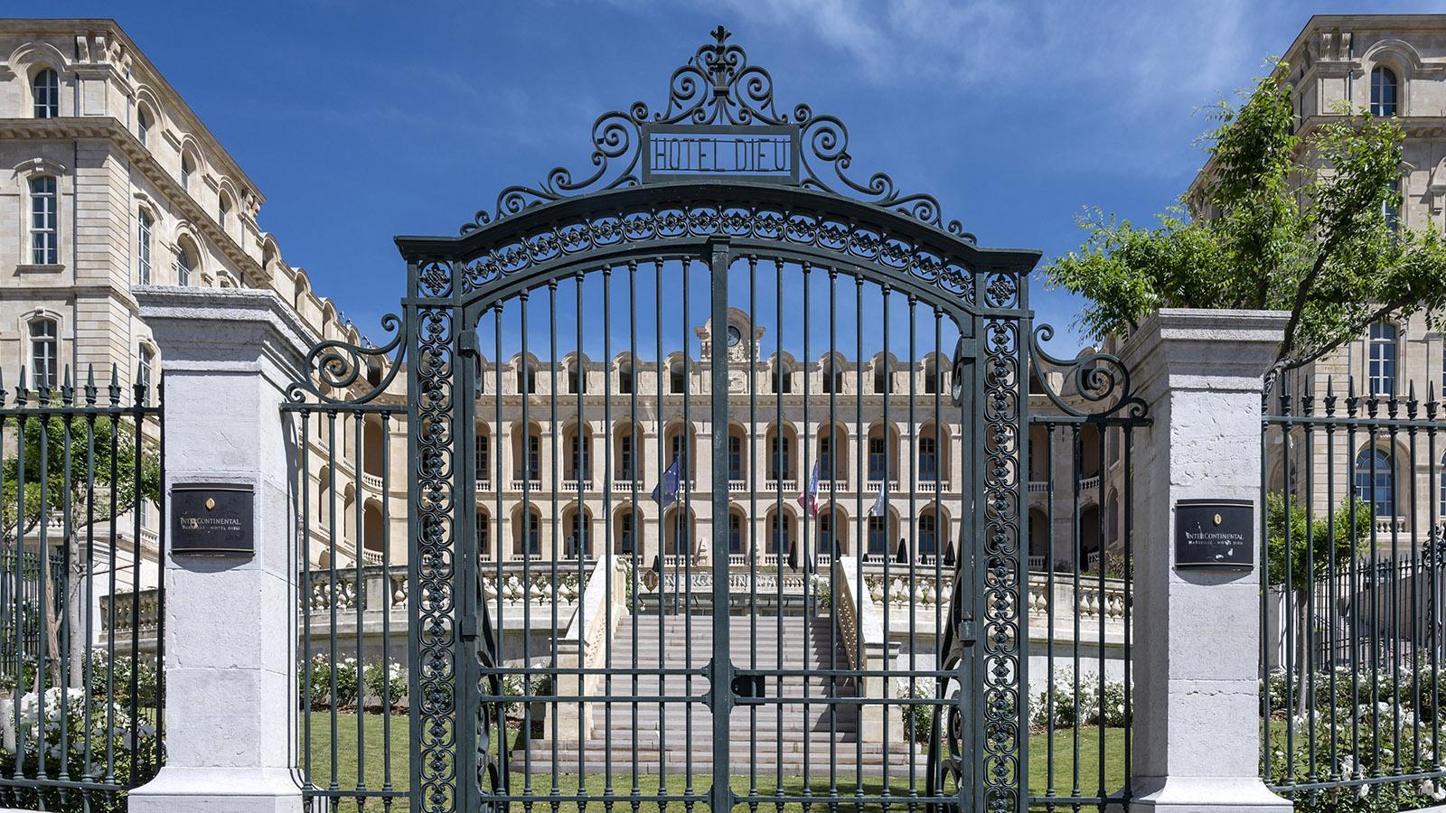 Das ehemalige Hôtel-Dieu birgt heute das Luxushotel Intercontinental. Foto: Hilke Maunder