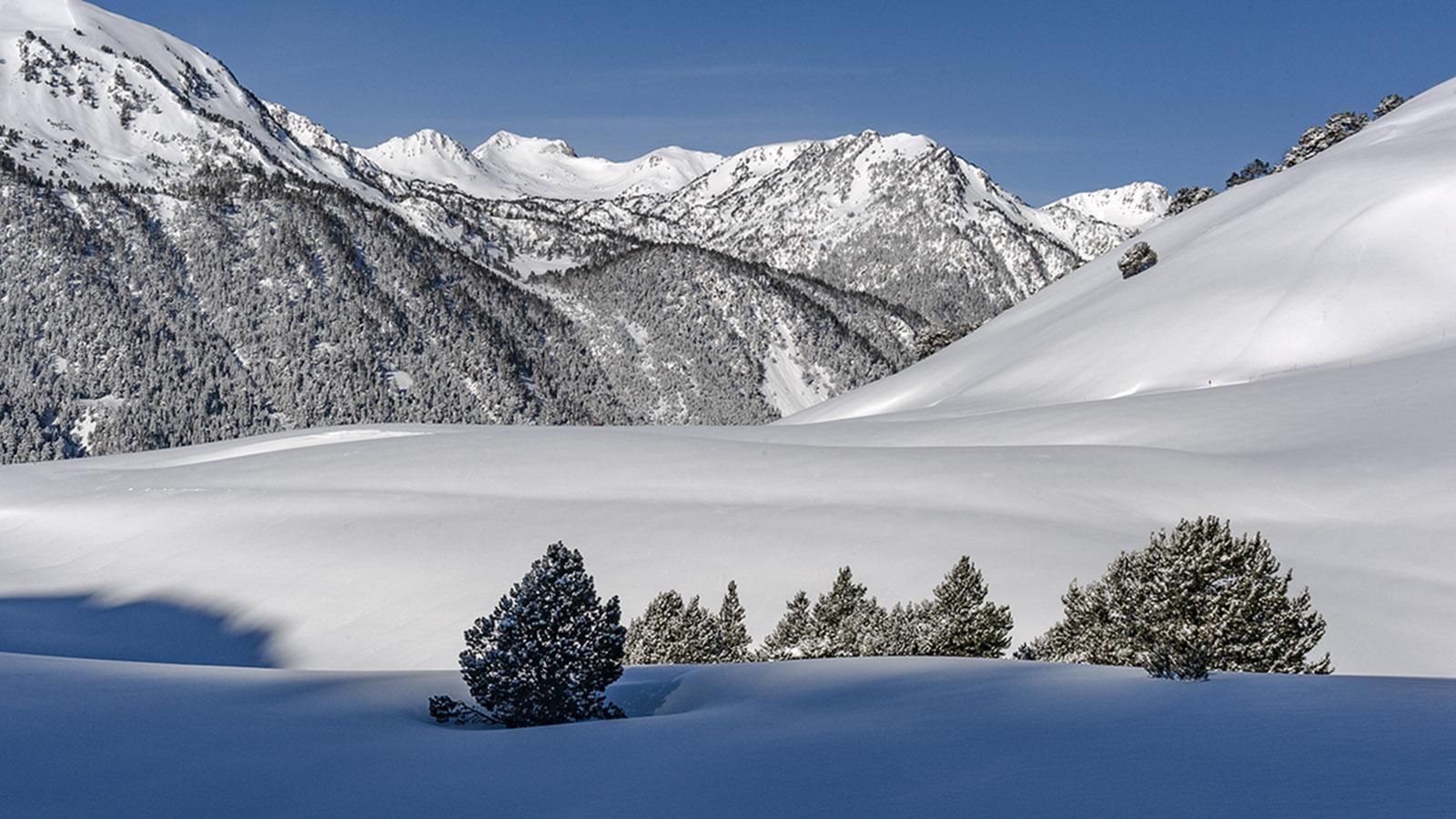 Saint-Lary. Verschneite Pyrenäen-Landschaft. Foto; Hilke Maunder