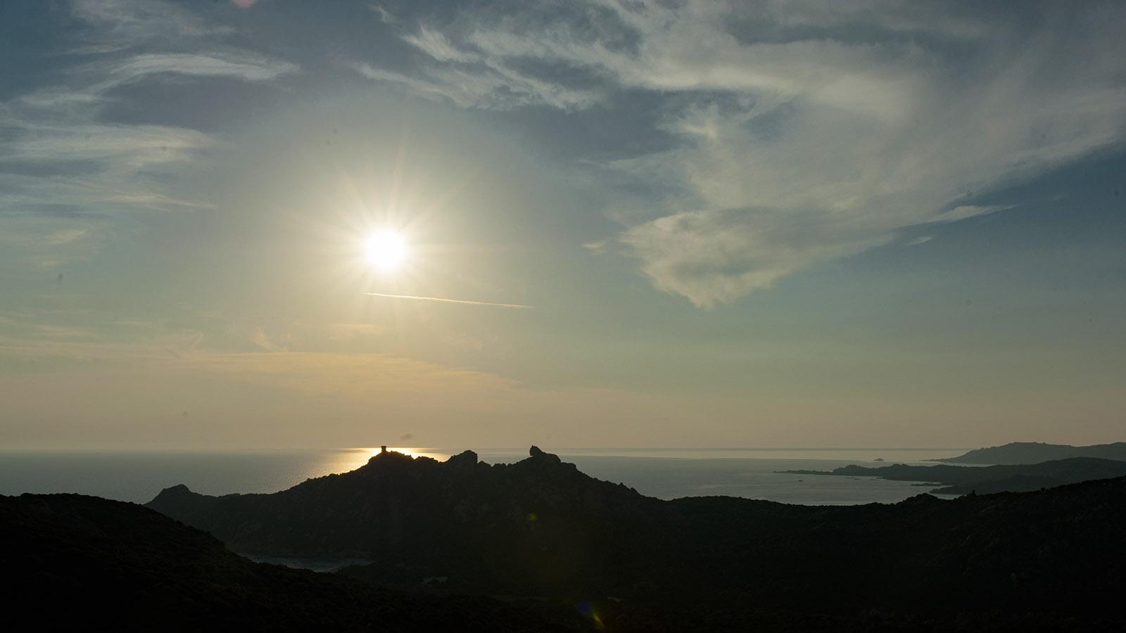 Sonnenuntergang am Genueserturm von Campomoro. Foto: Hilke Maunder