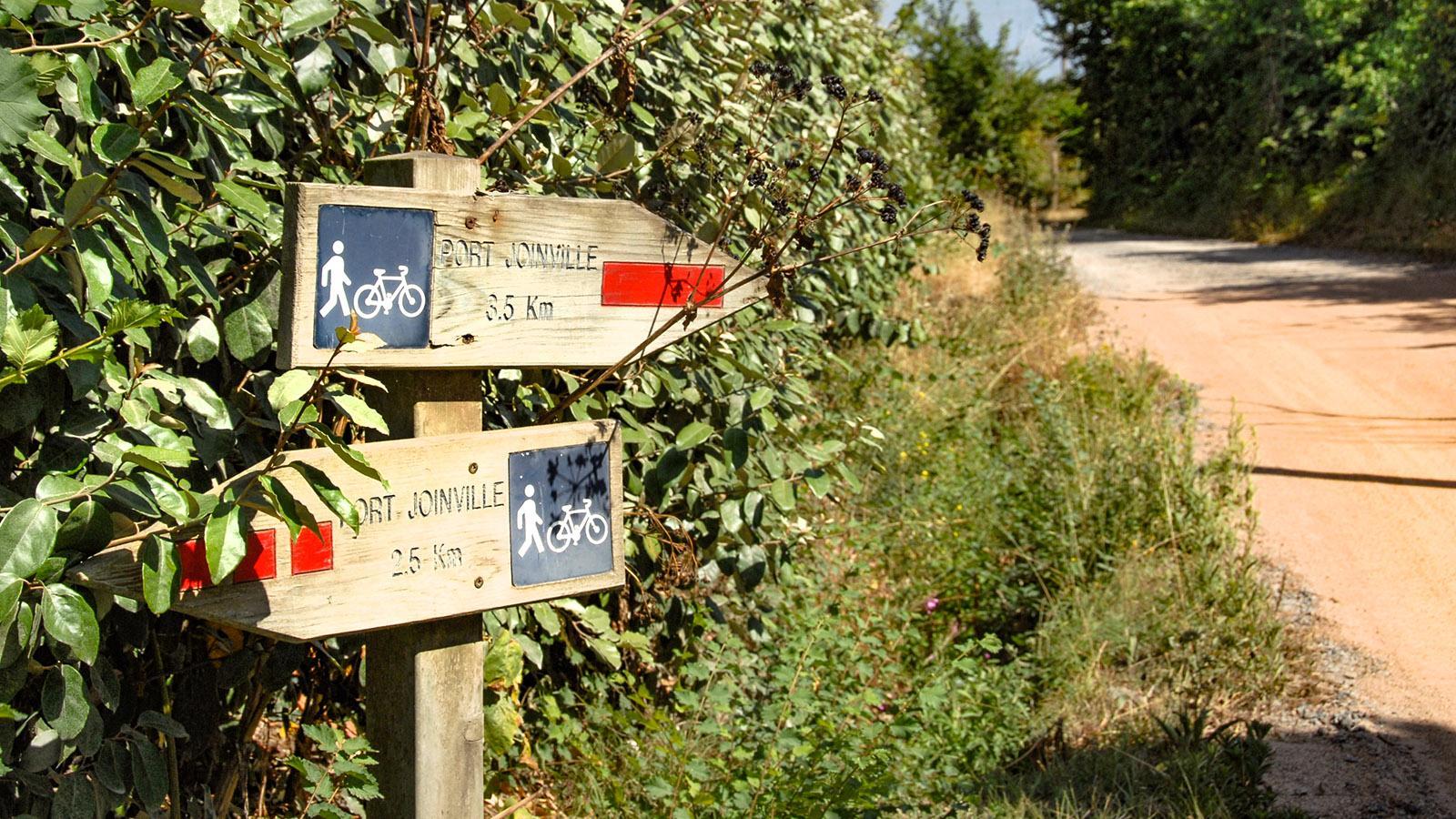 Île d'Yeu: bei Ker Gigou: Rad- und Wanderwegweiser