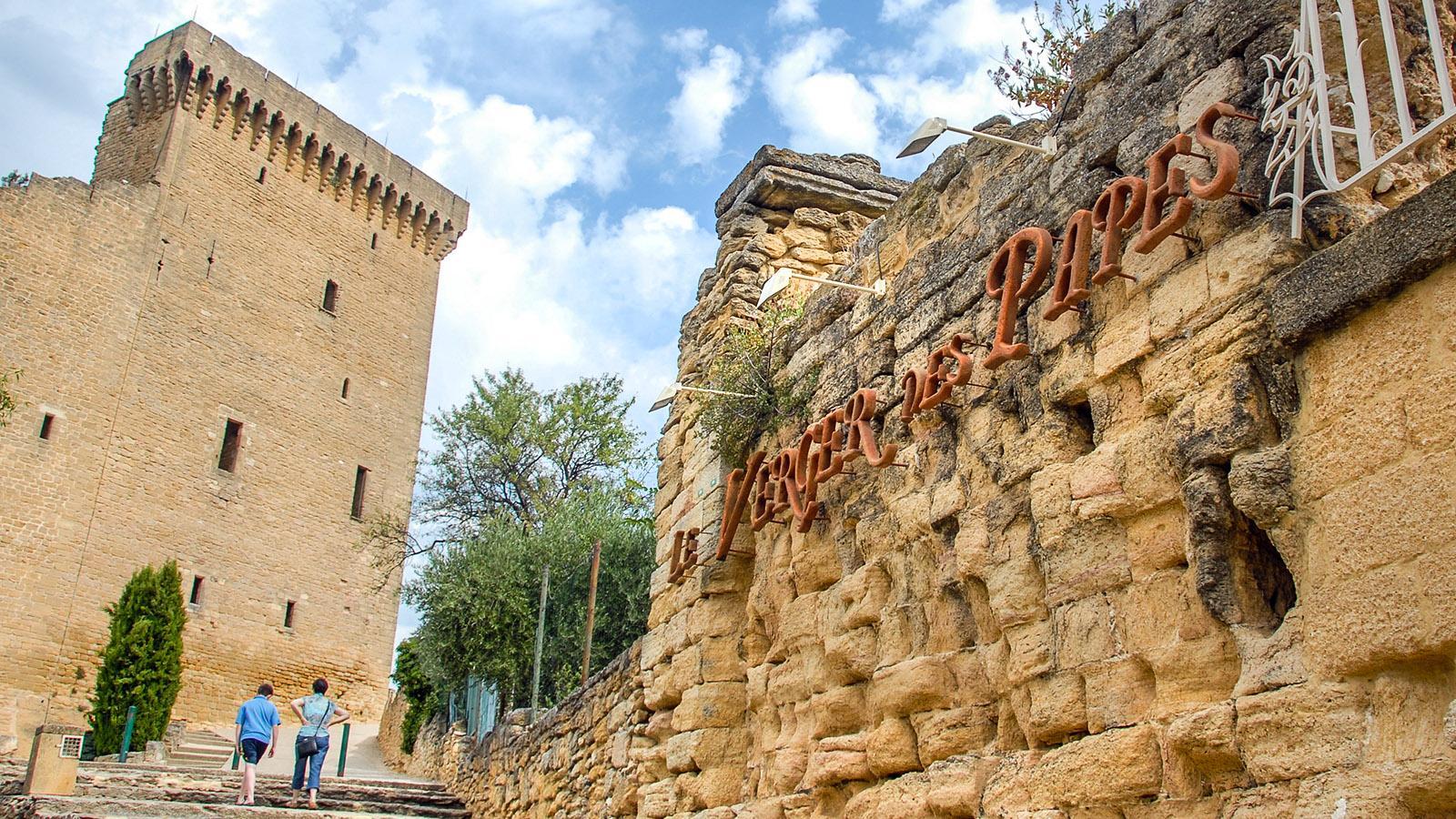 Châteauneuf-du-Pape: Ruine des Schlosses der Päpste von Avignon. Foto: Hilke Maunder