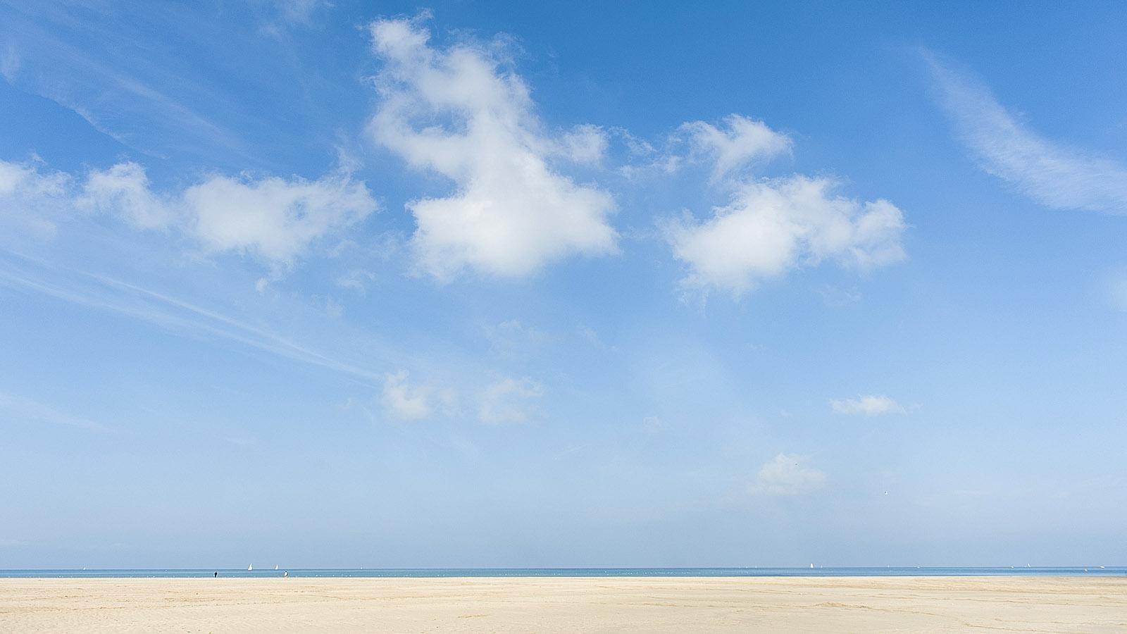 Côte Fleurie: Der Strand von Deauville. Foto. Hilke Maunder