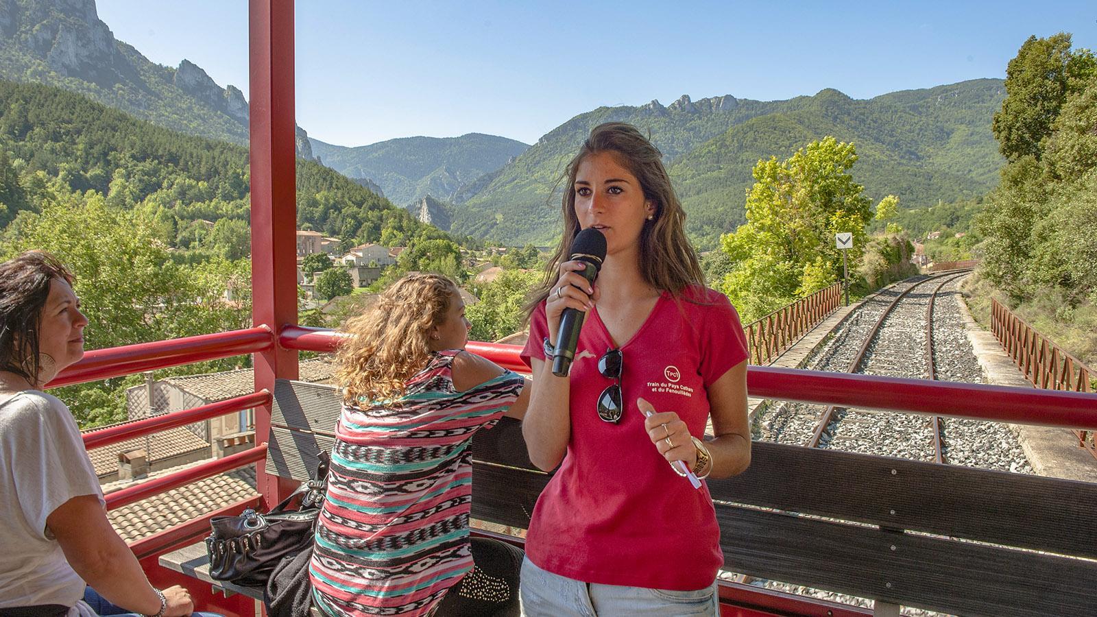 Maeva kommentiert die Fahrt im Train Rouge. Foto: Hilke Maunder