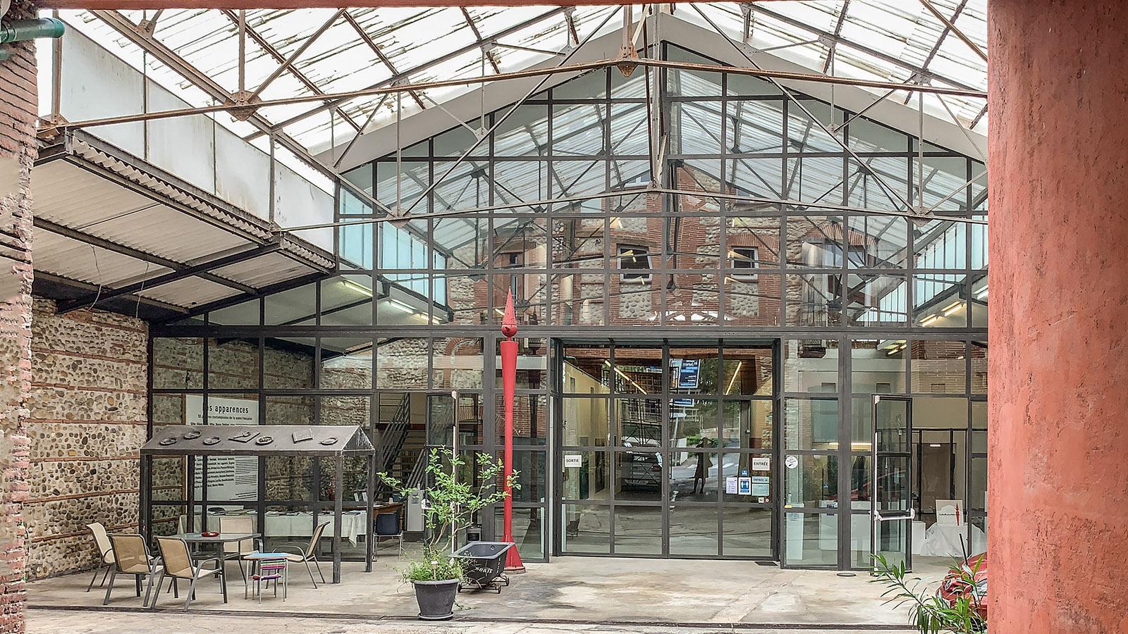 Die Ausstellungshalle in Bahnhofsnähe. Foto: Hilke Maunder