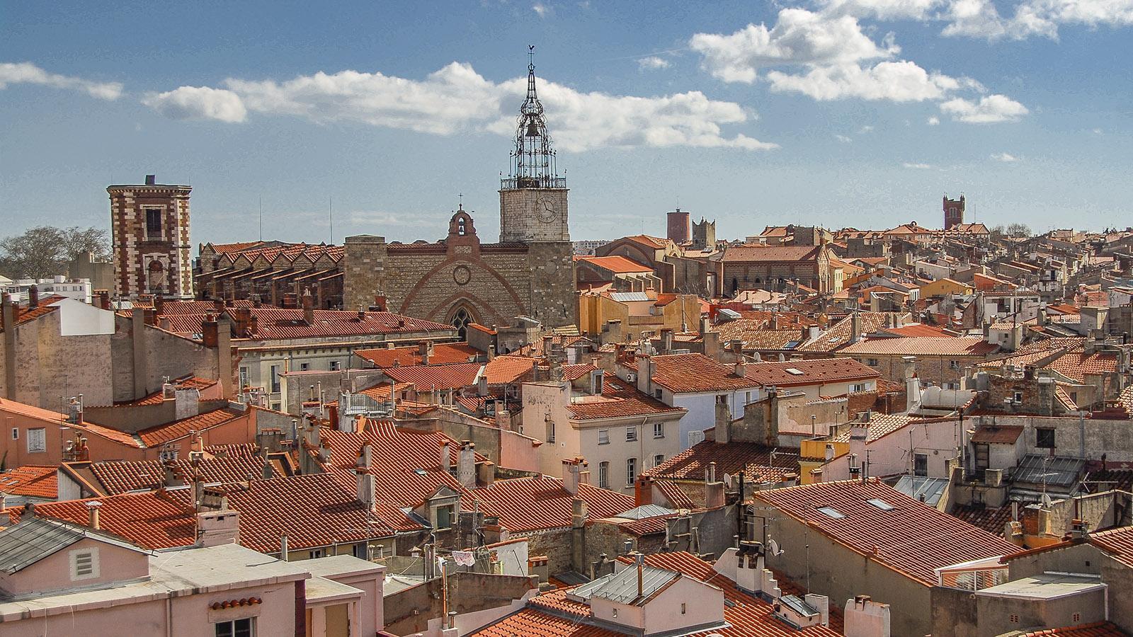 Perpignan: der Ausblick von Le Castillet zur Kathedrale. Foto: Hilke Maunder