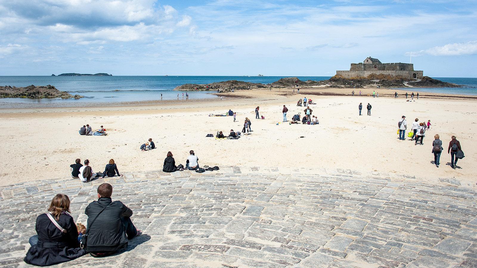 Saint-Malo: Blick zum Grand Bé. Foto. Hilke Maunder