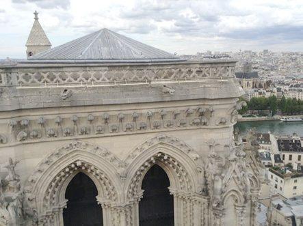 Paris_notre-dame_6-c2a9-lara-maunder