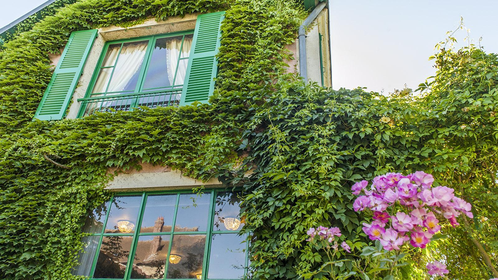 Das Haus von Monet ist von Efeu überwuchert. Foto: Hilke Maunder