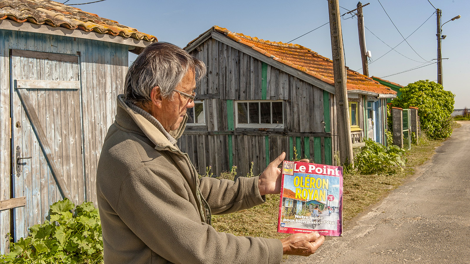 "Île d'Oléron: Die Hütte dieses Austernfischers aus Saint-Trojan-les-Bains hat es auf den Titel von ""Le Point"" geschafft. Foto: Hilke Maunder"