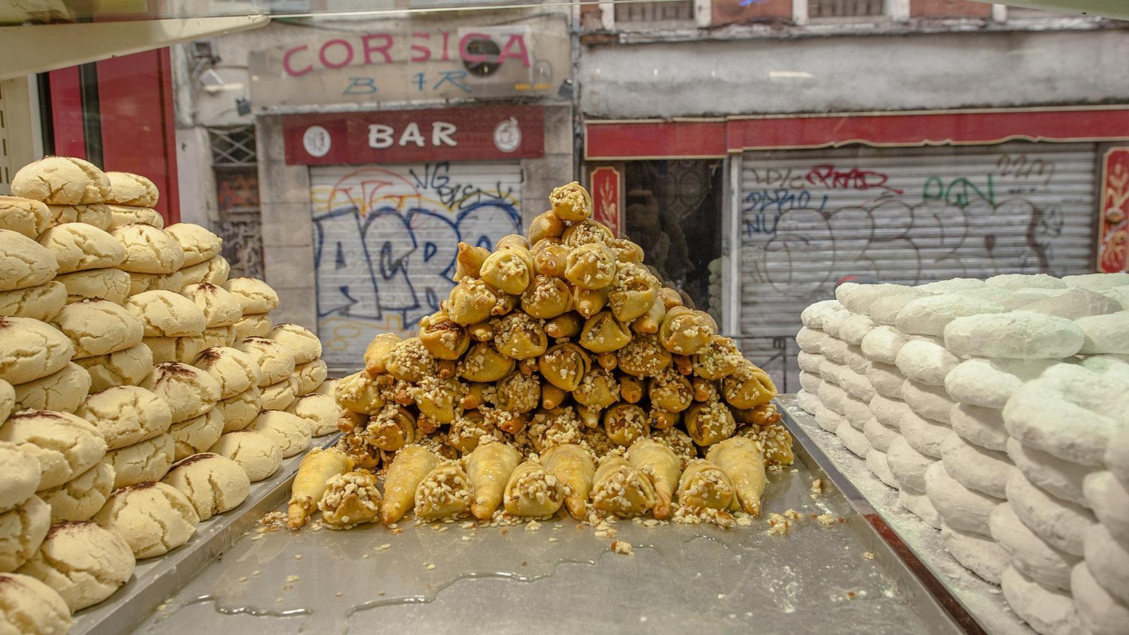 """Marseille, Noailles: arabische Gebäckspezialitäten der Patisserie """"Le Carthage"""". Foto: Hilke Maunder"""