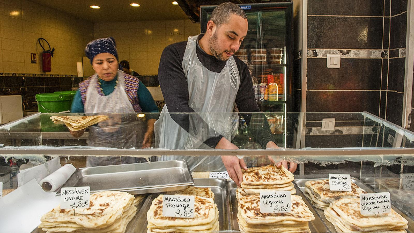 Marseilles: In Noailles könnt ihr exotische Brote und Pfannkuchen kosten. Und vor Ort zusehen, wie sie gebacken werden. Foto: Hilke Maunder