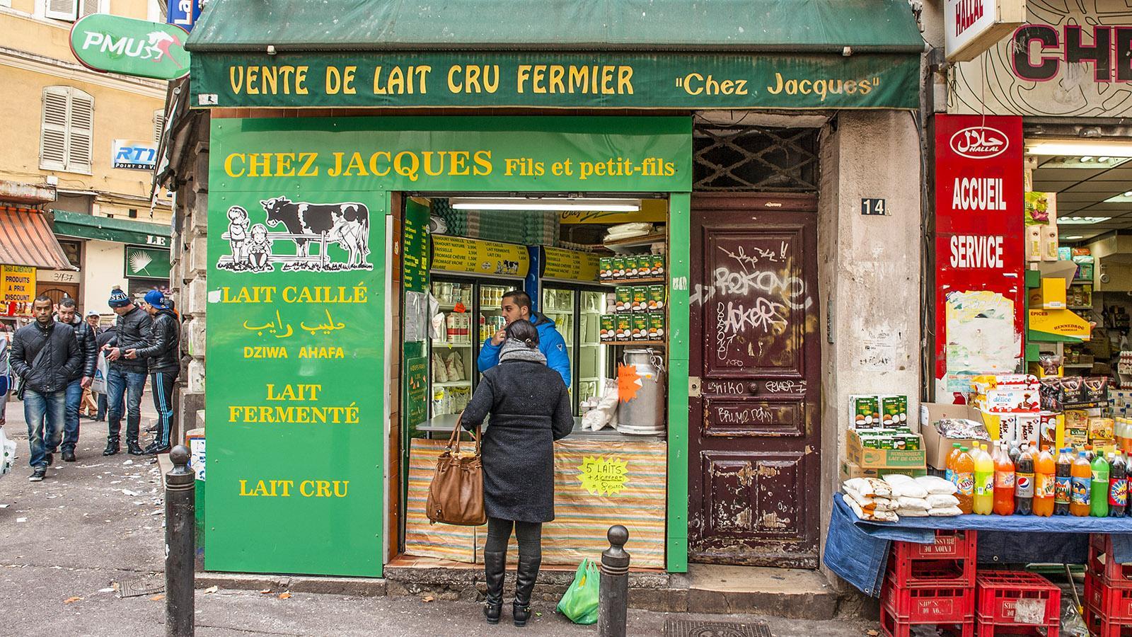 Marseille, Noailles: Bio- und Rohmilch, frisch gezapft. Foto: Hilke Maunder