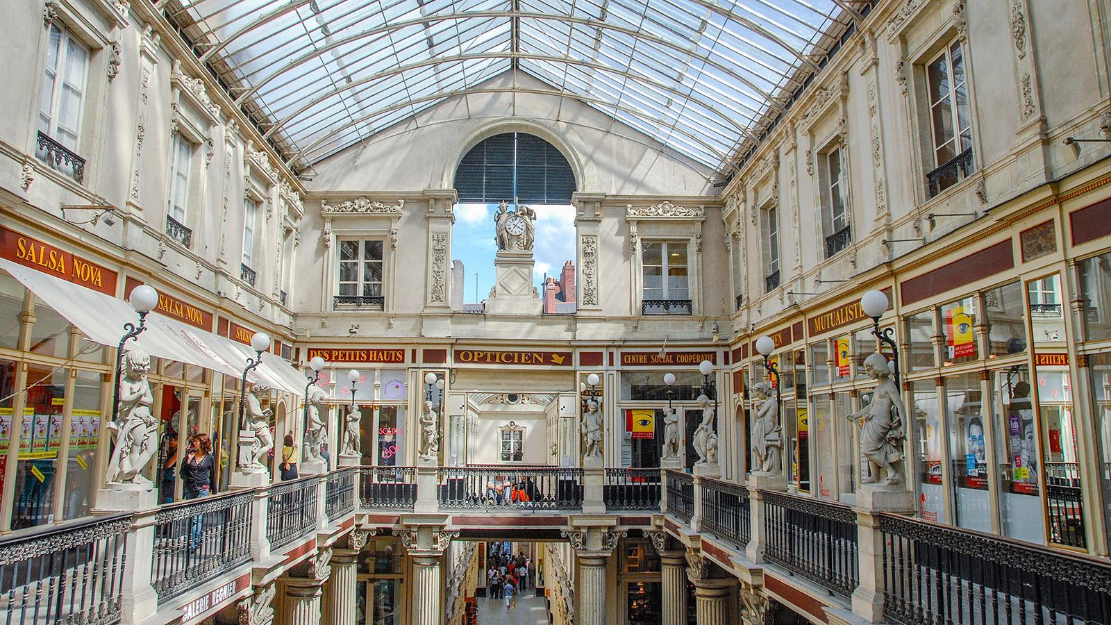 Nantes: Shopping-Nostalgie - die Passage Pommeraye. Foto: Hilke Maunder