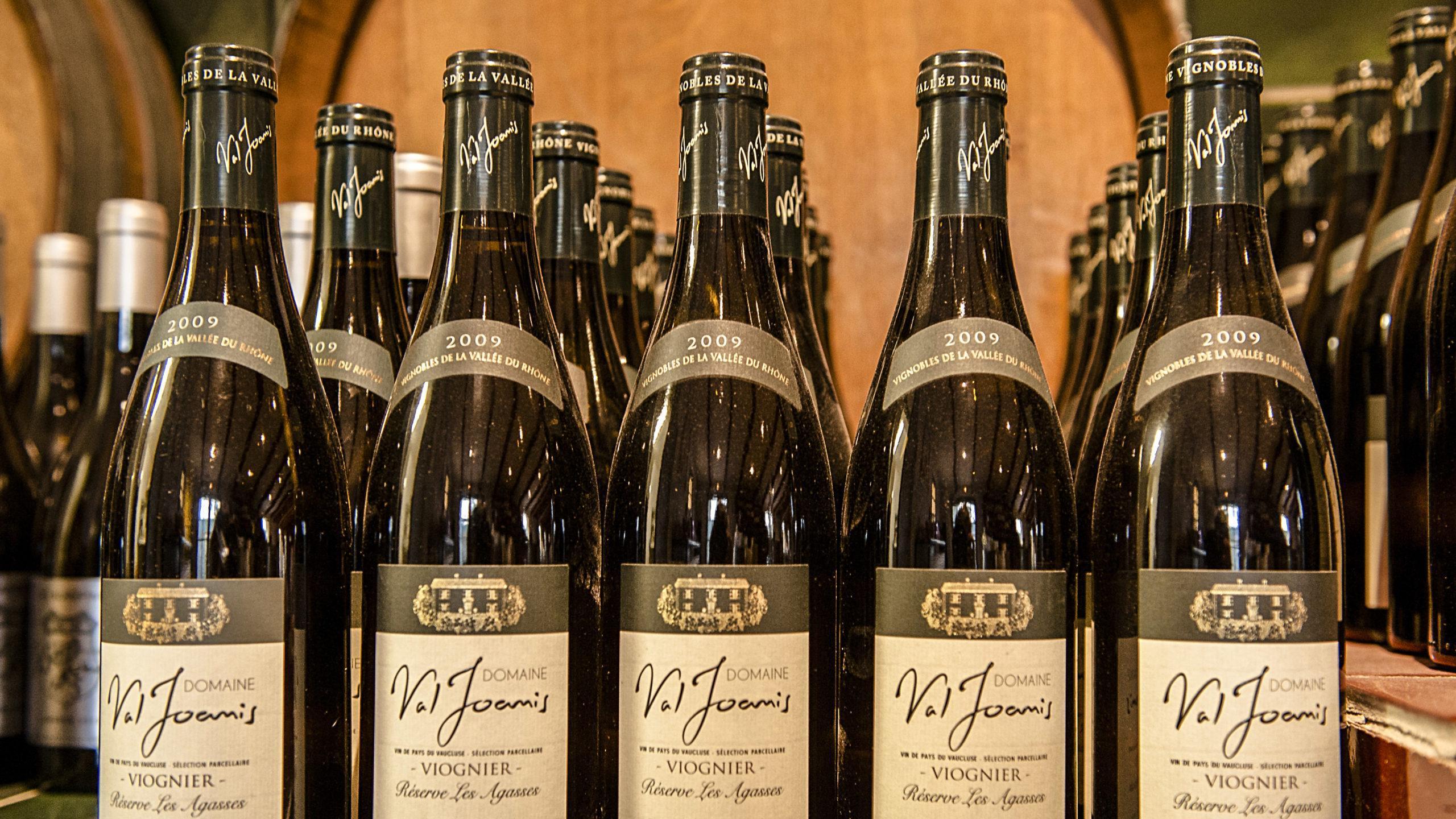 Tropfen aus dem Sortiment des Weinguts Val Joanis. Foto: Hilke Maunder