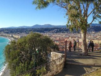 Tolles Panorama: der 360-Gra-Rundblick vom Schlossberg in Nizza. Foot: Hilke Maunder