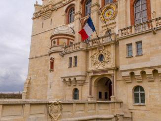 Der Eingang zum Archäologischen Nationalmuseum im Schloss von Saint-Germain-en-Laye. Foto: Hilke Maunder
