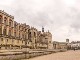 Saint-Germain-en-Laye: Schloss und Kirche. Foto: Hilke Maunder