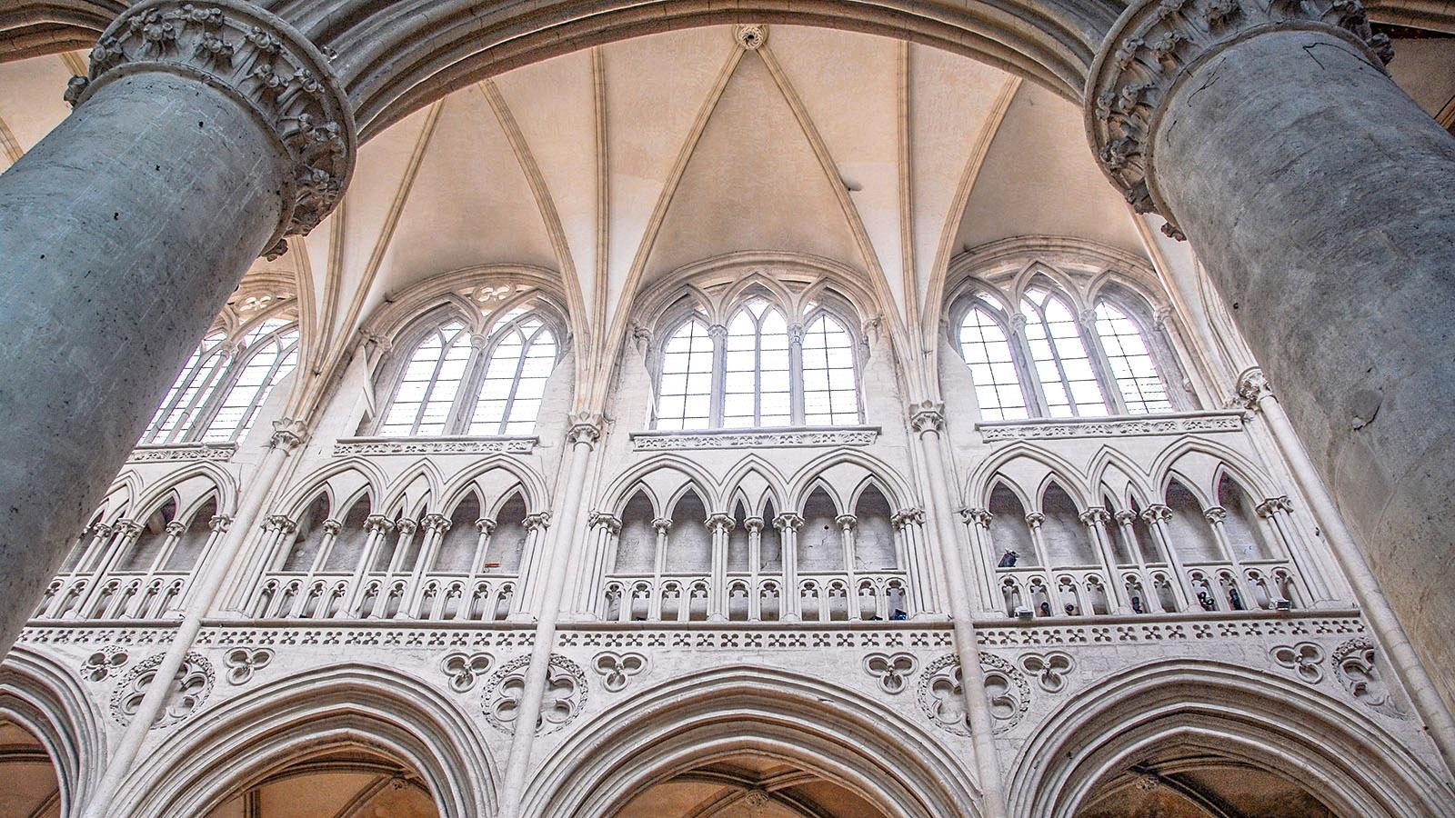 Die Kathedrale von Sées ist hoch. Foto: Hilke Maunder