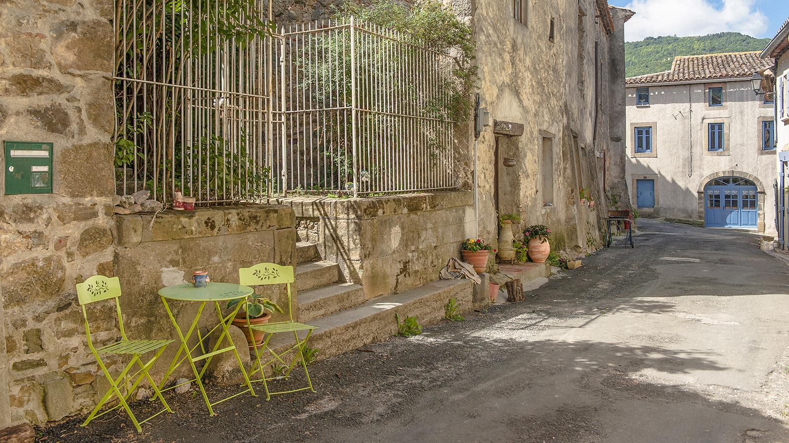 Bugarach: in der Grande Rue. Foto: Hilke Maunder