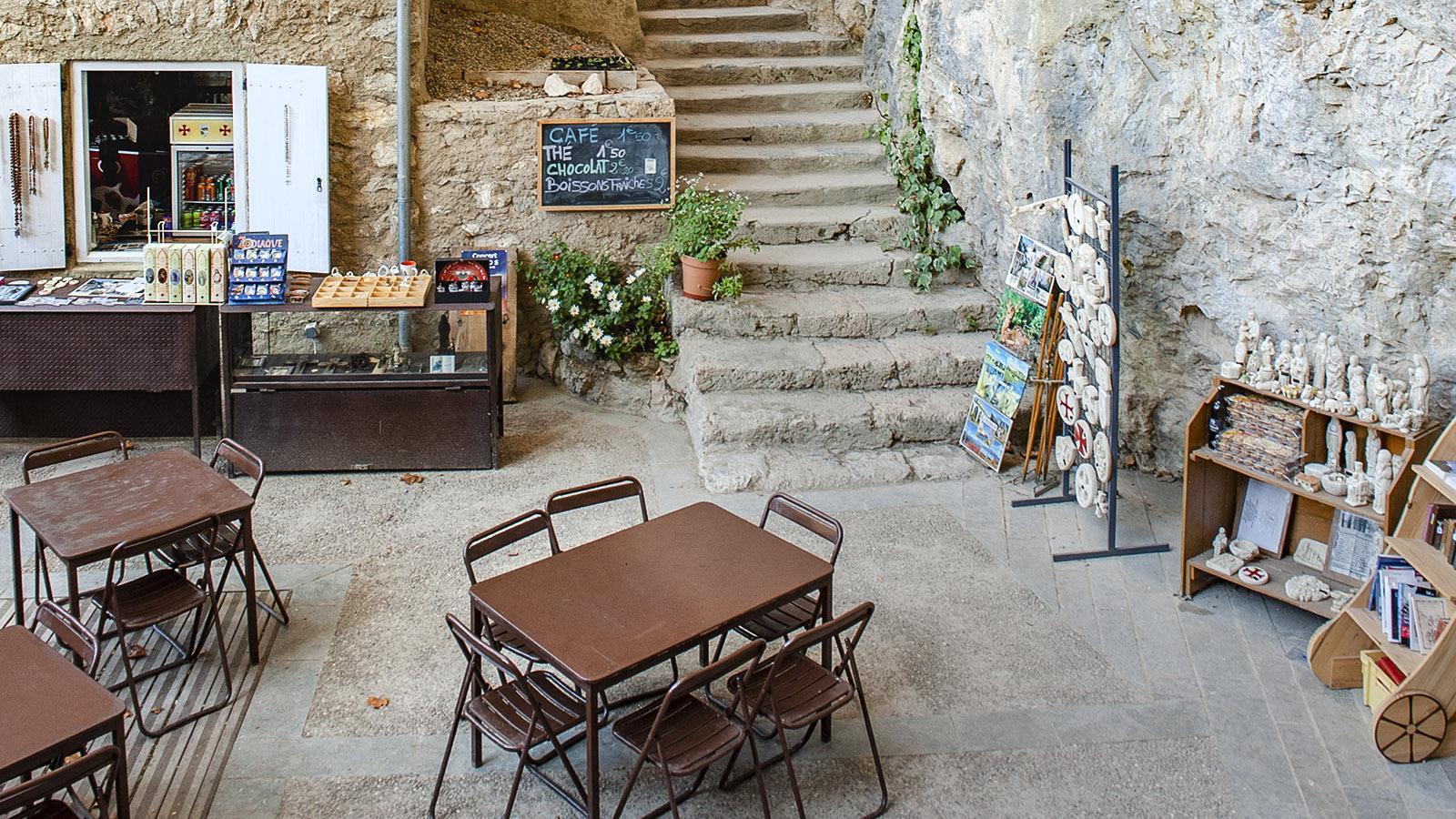 Gorges de Galamus: Café-Shop der Ermitage. Foto: Hilke Maunder
