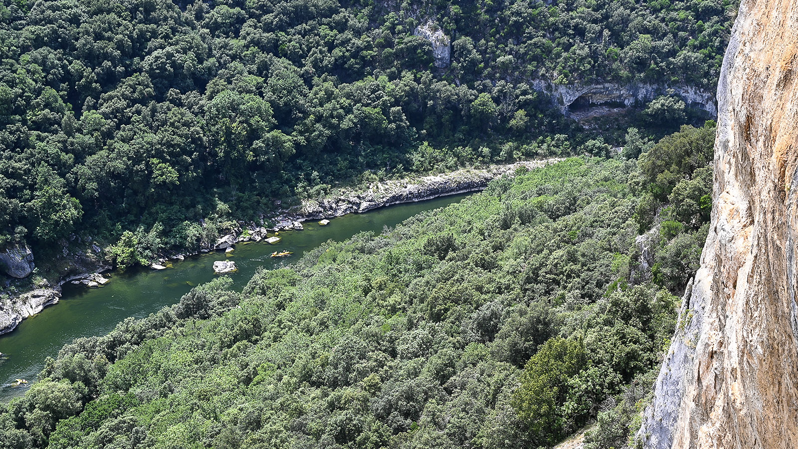 Die Ardèche bei La Madeleine. Foto: Hilke Maunder