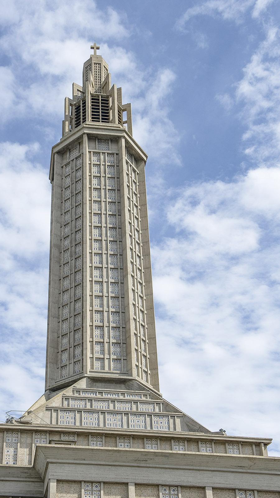 Der 110 m hohe der Église Saint-Joseph von Le Havre. Foto: Hilke Maunder