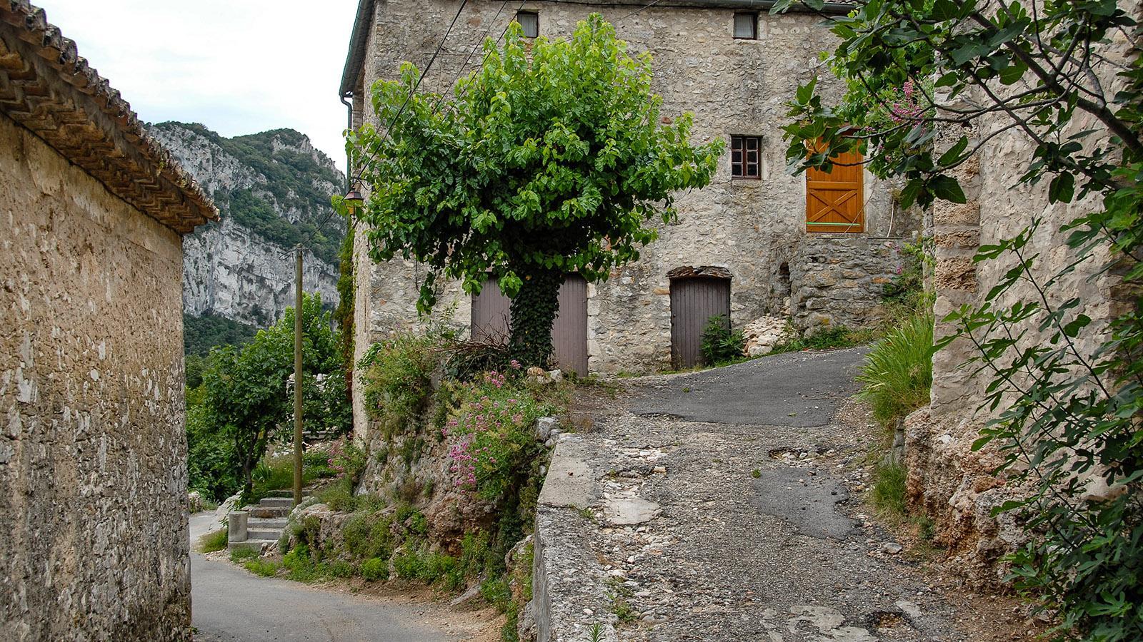 In einem Seitental der Ardèche-Schlucht findet ihr dieses Bergdorf. Foto: Hilke Maunder