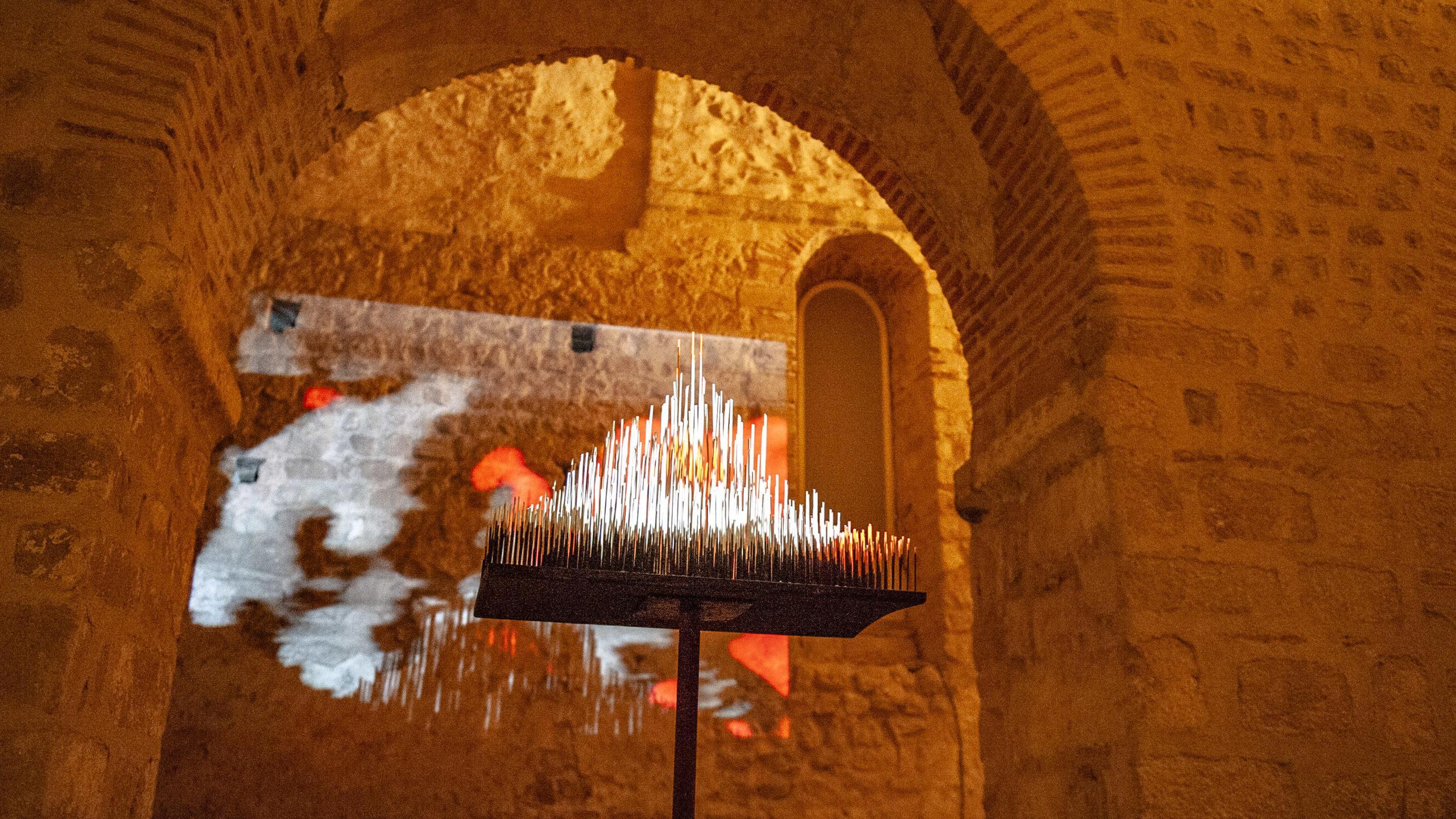 Kunstinstallation bei den Nocturnes am Mont-Saint-Michel. Foto: Hilke Maunder