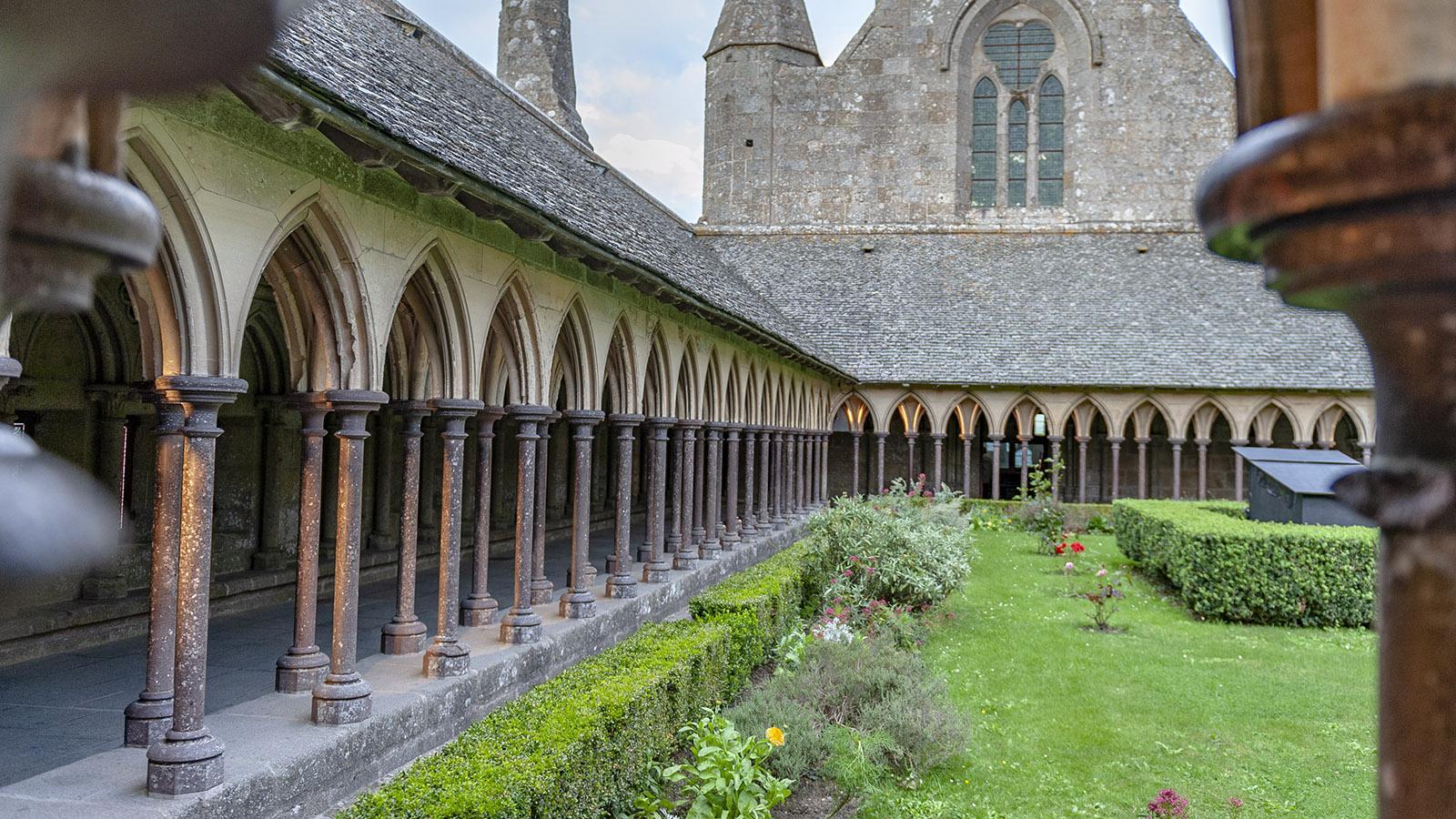 Im Kreuzgang der Abtei des Mont-Saint-Michel. Foto: Hilke Maunder