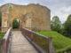 Der Zugang zum Château de Crèvecoeur. Foto: Hilke Maunder