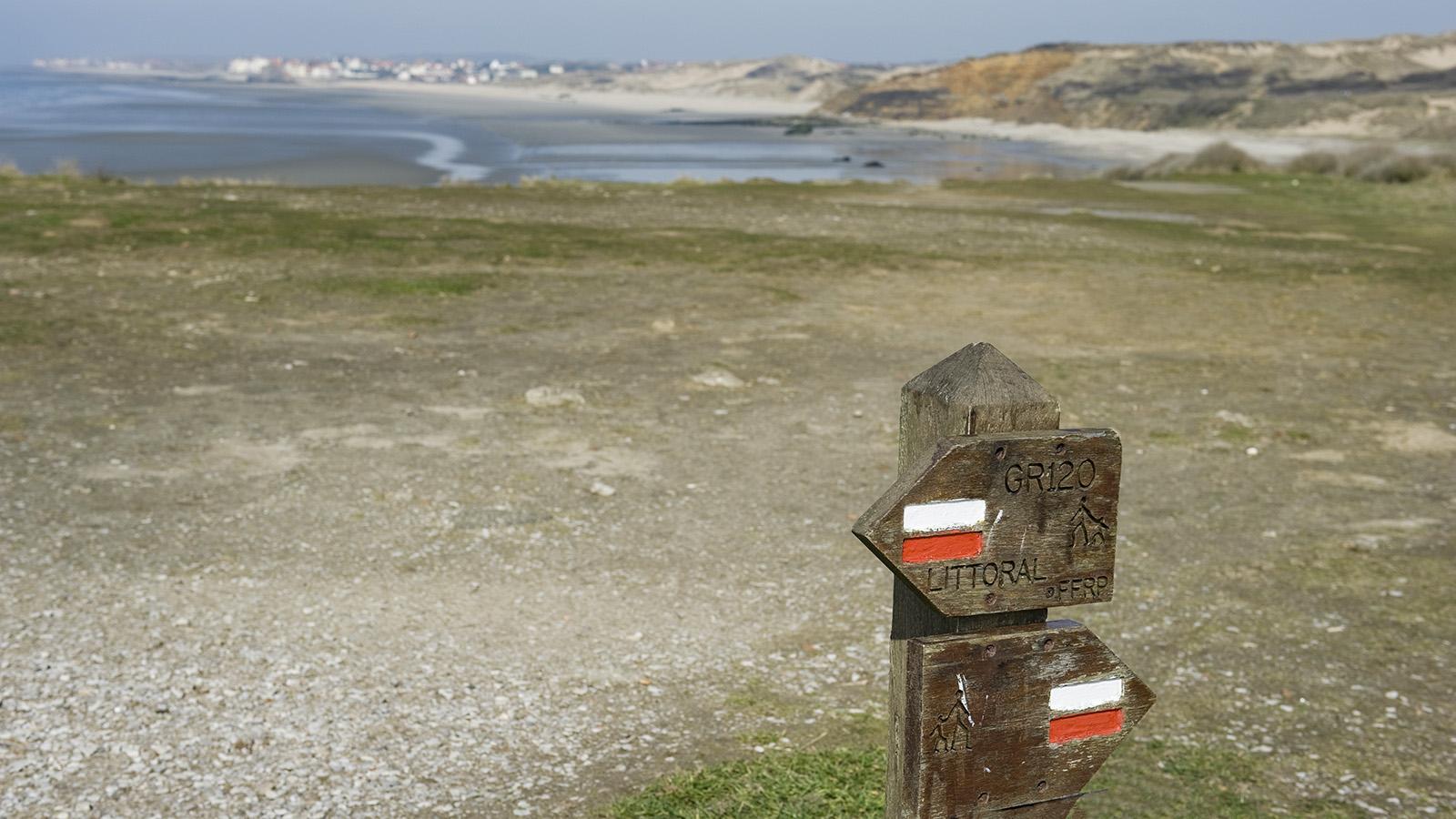 Opalküste: Wanderweg an der Côte d'Opale bei Tardinghen. Foto: Hilke Maunder
