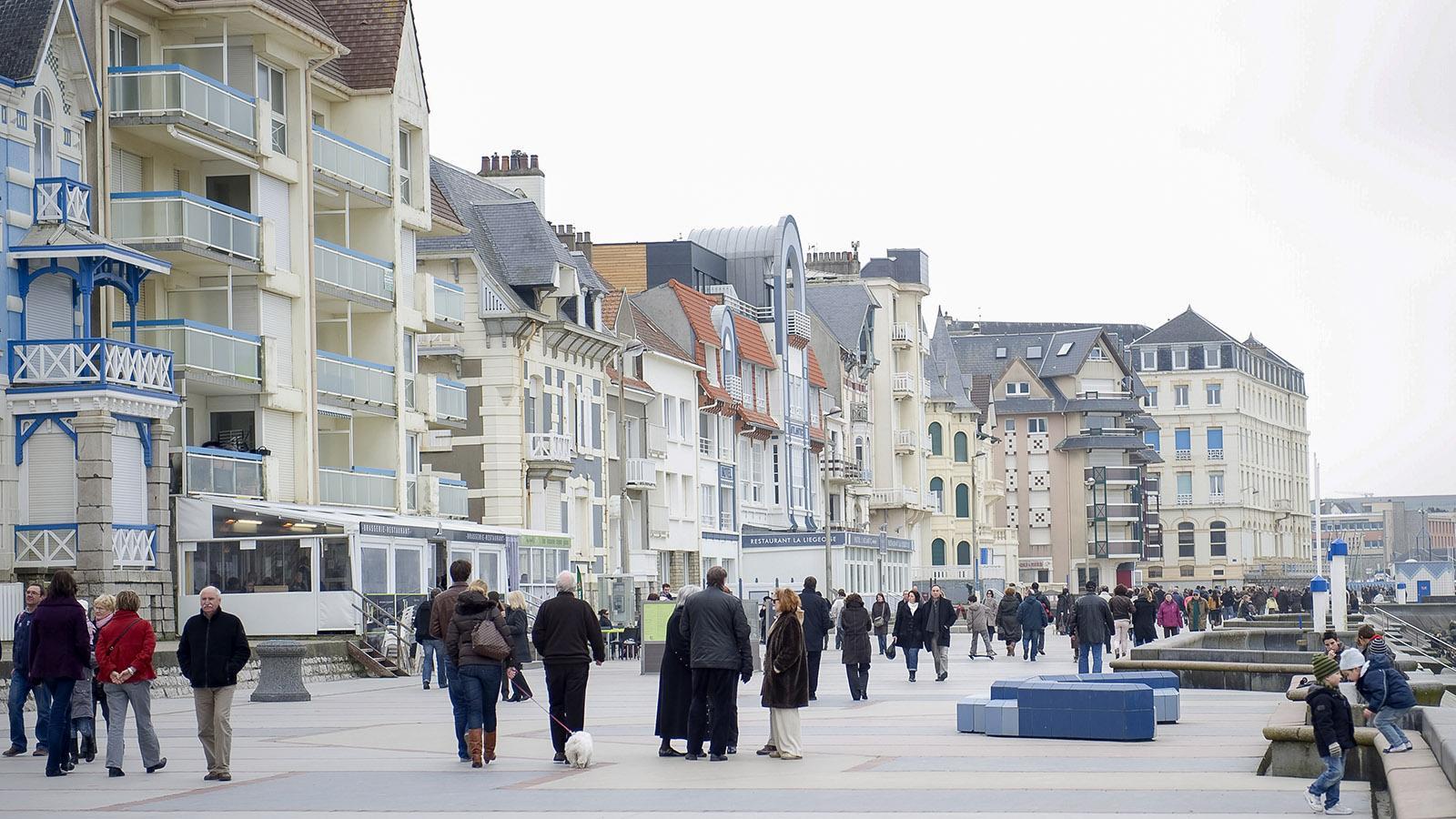 """Opalküste: Die Strandpromenade """"La Digue"""" von Wimereux im Winter. Foto: Hilke Maunder"""
