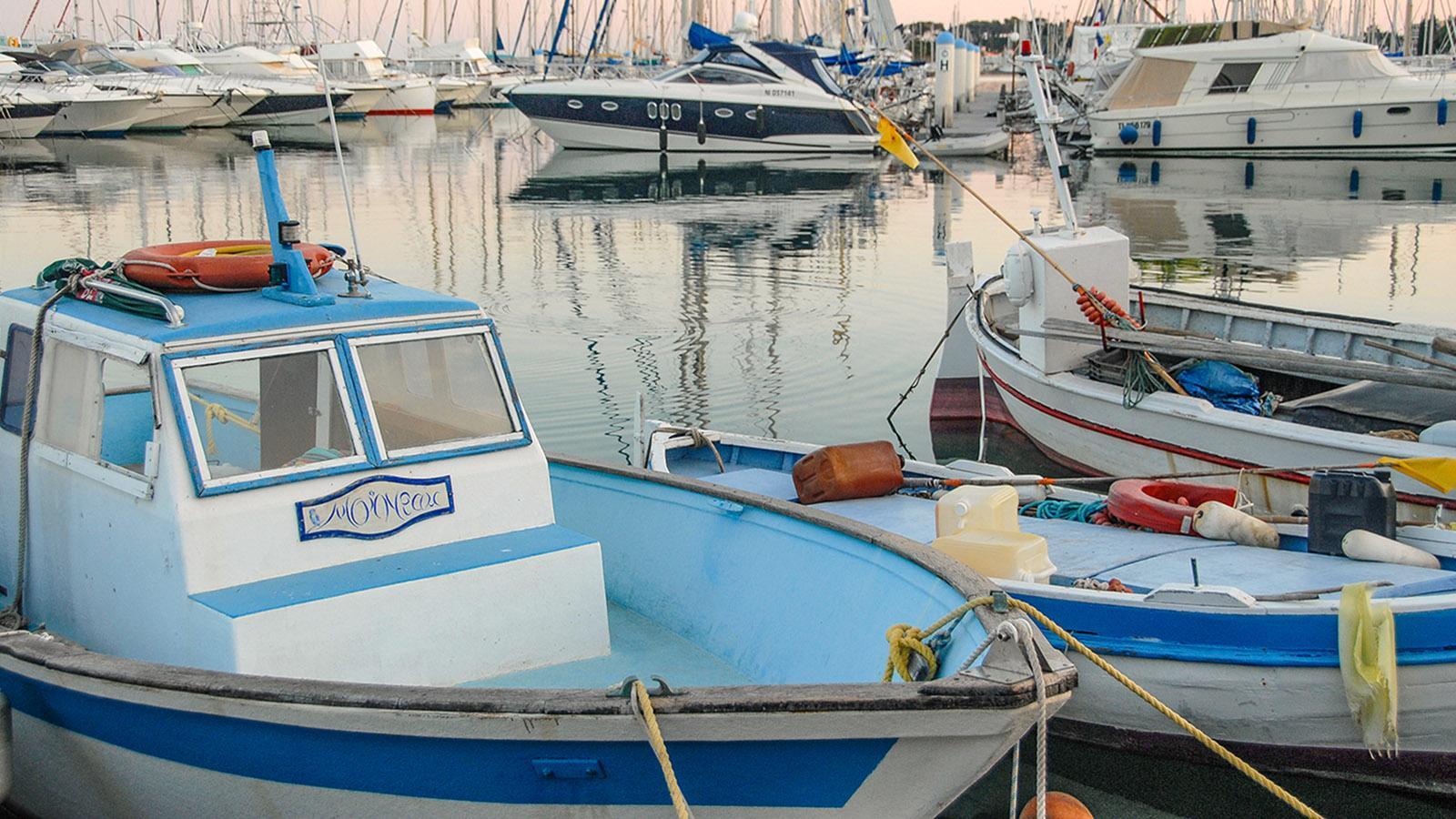 Pointu, Kabinenkreuzer und schnitte Segeljachten: Der Hafen von Bandol ist eine Augenweide für Sehleute. Foto: Hilke Maunder