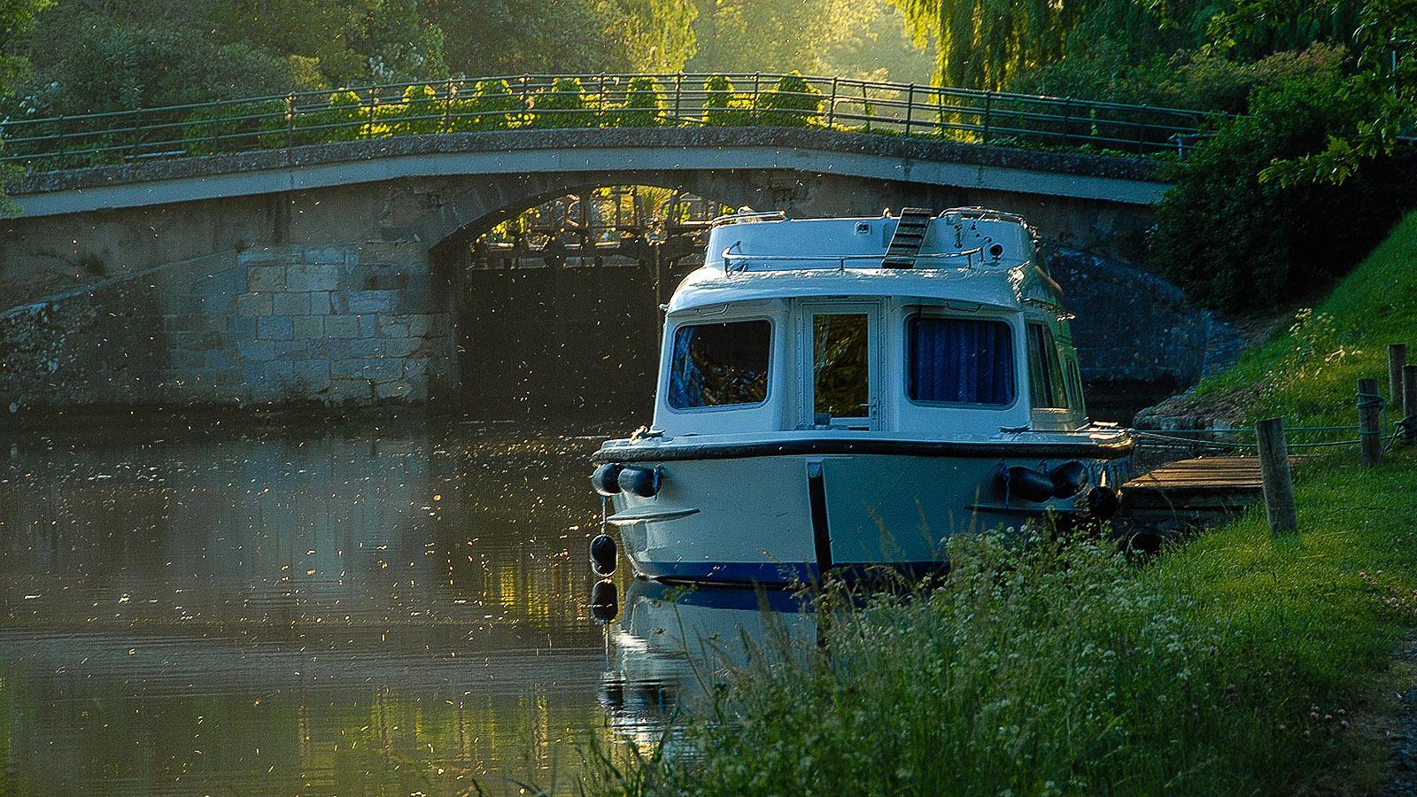 Canal du Midi: Unser Plätzchen für die Nacht –in Laufnähe zur Écluse de Peyruque. Foto: Hilke Maunder