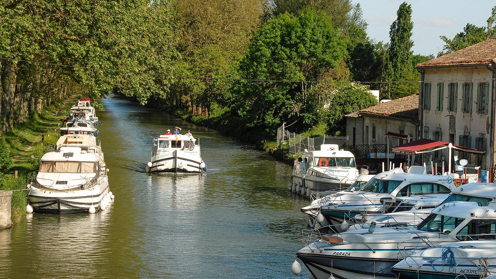 Der Hafen von Bram am Canal du Midi. Foto: Hilke Maunder