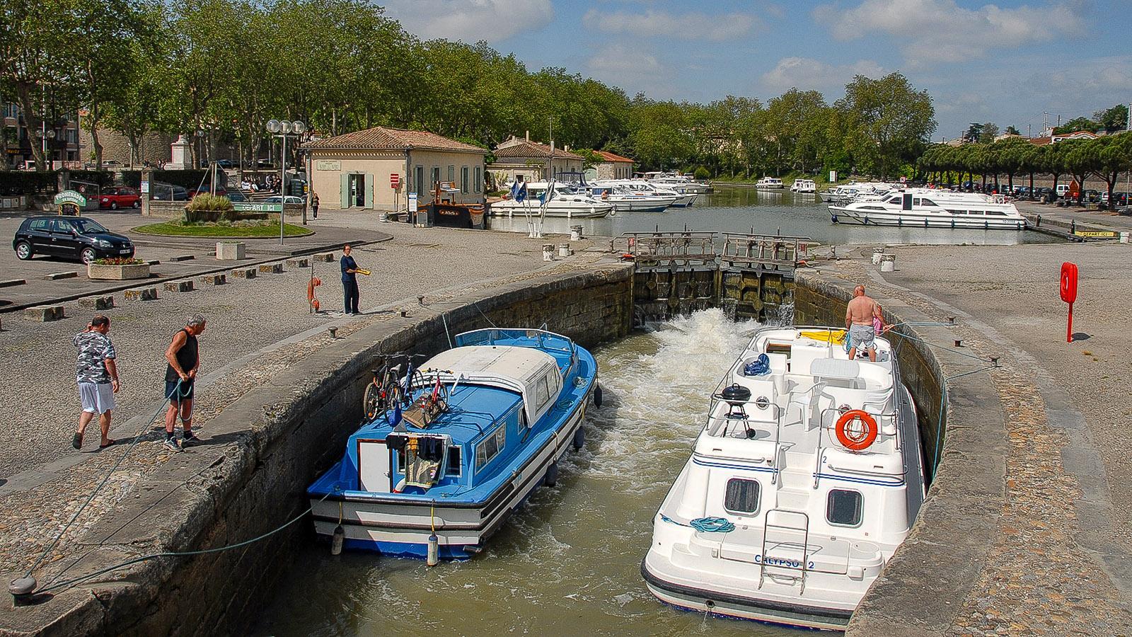 Canal du Midi: In Carcassonne findet ihr die Kanal-Schleuse am Bahnhofsvorplatz. Foto: Hilke Maunder