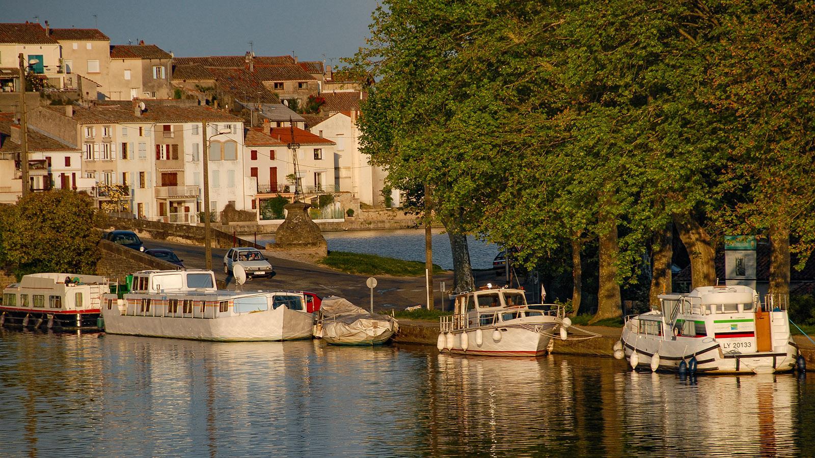 Boot an Boot an Boot: die Kais des Canal du Midi von Castelnaudary. Foto: Hilke Maunder