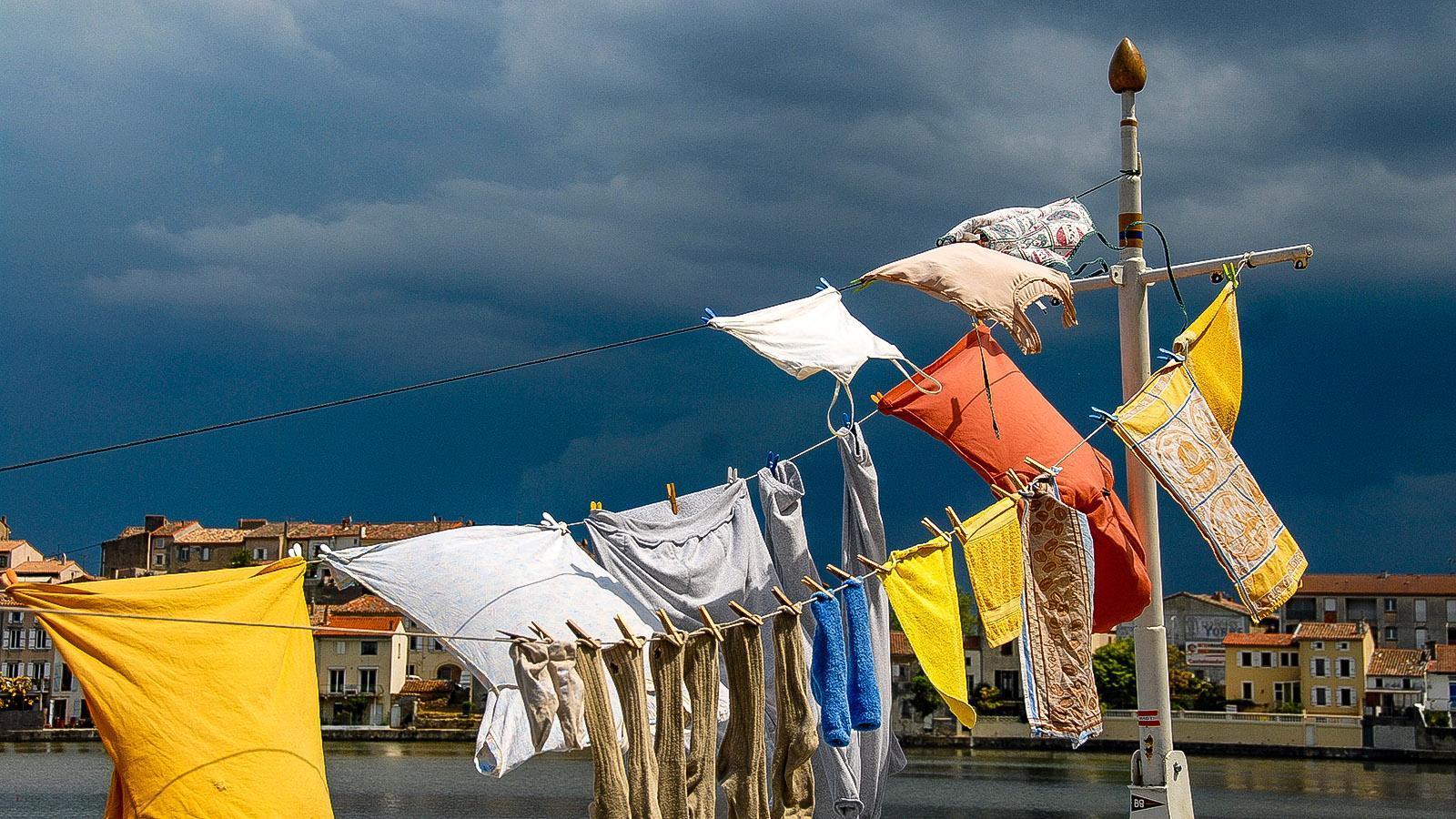 Canal du Midi: Große Wäsche in Castelnaudary. Foto: Hilke Maunder