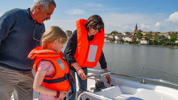 Canal du Midi: Hausboot-Einweisung auf dem Grand Bassin von Castelnaudary. Foto: Hilke Maunder