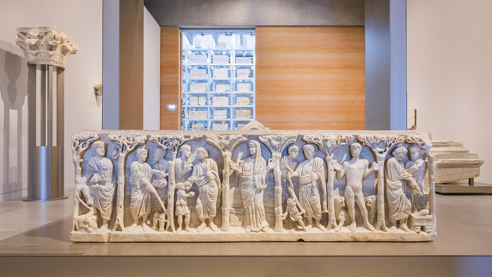 Reich geschmückt: die Sarkophage. Foto: Hilke Maunder