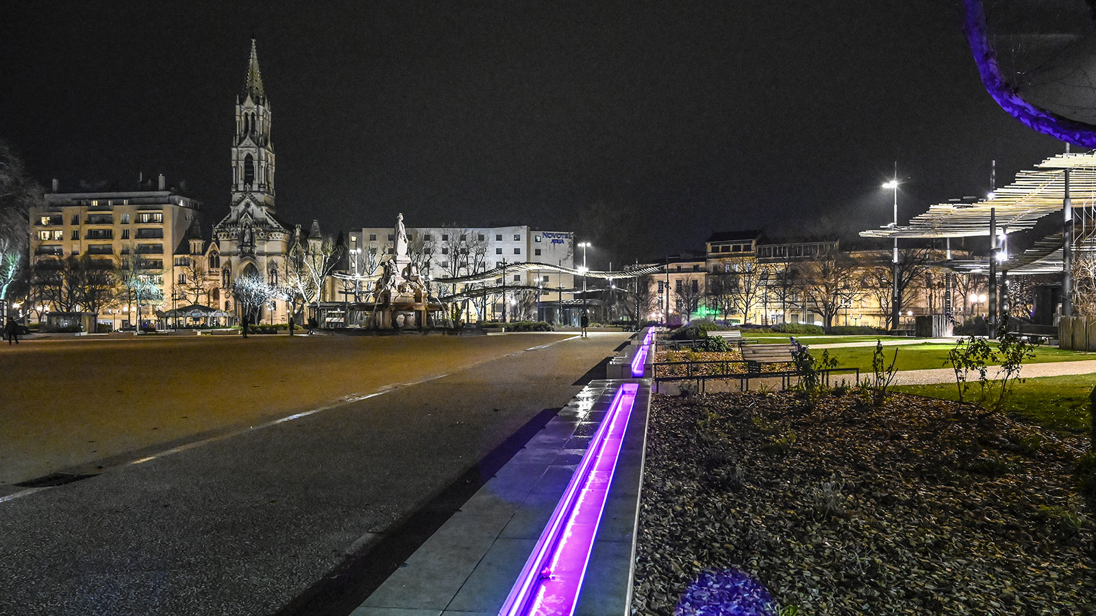Auch die Square de Bruxelles wird abends beleuchtet. Foto: Hilke Maunder