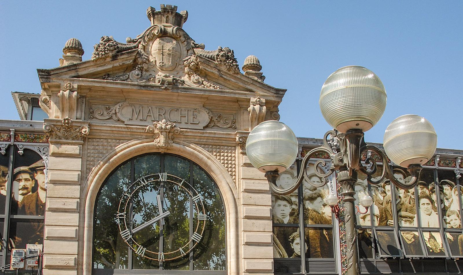 Narbonne: die Markthalle. Foto: Hilke Maunder